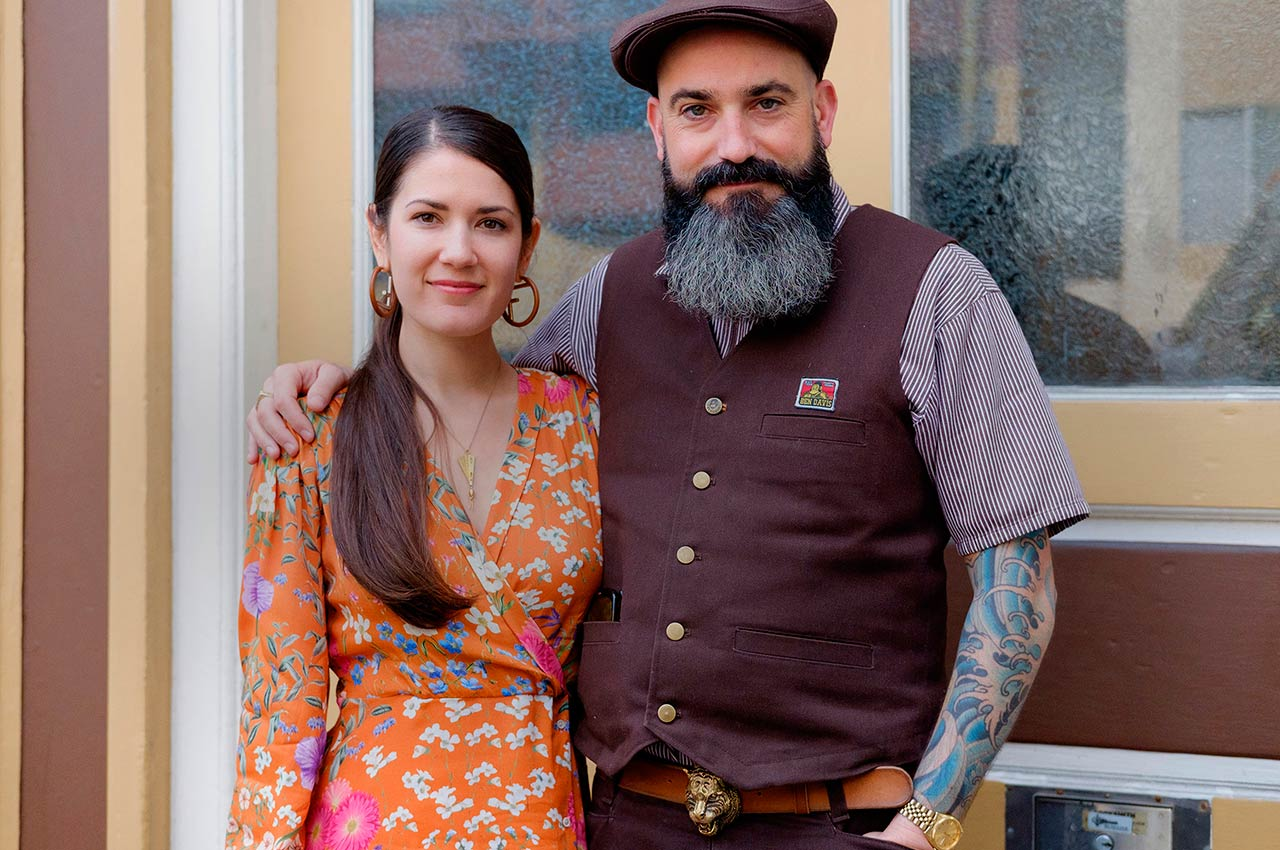 Jayde and Jeremy Fish in front of their San Francisco home. Image: © Linda Green