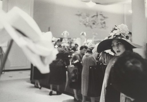 Thomas Hoepker, Woman with Hat, New York, 1960