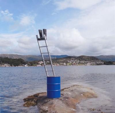 Stiefel, Fitjar (Norwegen) von Roman Signer