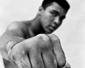 Ali Right Fist, London von Thomas Hoepker