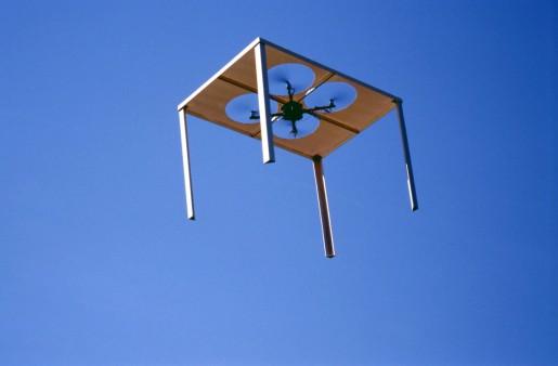 Roman Signer, Fliegender Tisch, 2009