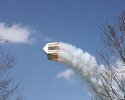 Haus mit Raketen, Gais von Roman Signer