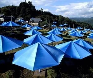 The Umbrellas, Japan von Christo & Jeanne-Claude