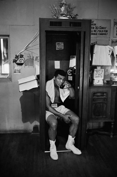 Thomas Hoepker, Ali on the Phone in Gym, Chicago, 1966