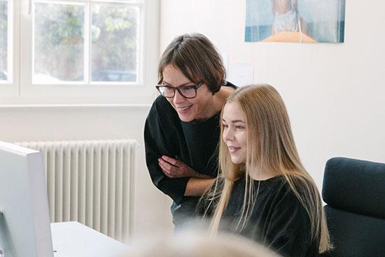 Design-Team: Kreativdirektorin Ingrid Haug, Assistentin Katharina Werner
